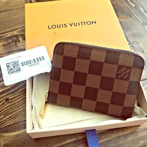 ♦️AUTHENTIC LV ZIPPY COIN PURSE♦️